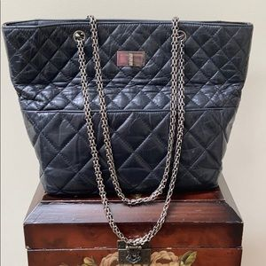 CHANEL reissue in the business tote bag